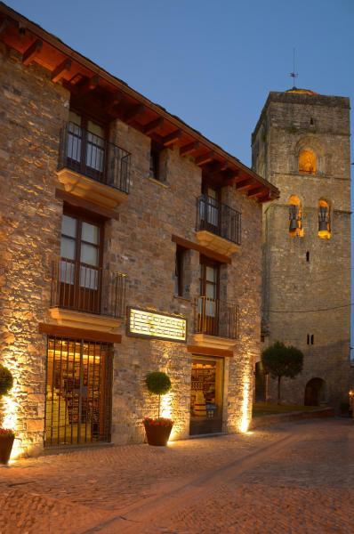 Hotel Pictures: Apartamentos El Palacete de Ainsa, Aínsa