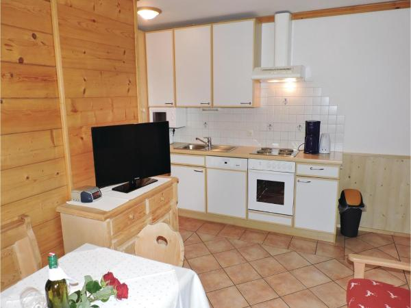 Hotel Pictures: Two-Bedroom Apartment in Grossarl, Grossarl