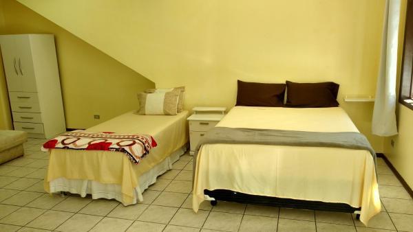 Hotel Pictures: Suite localizada a 350m do centro, Joinville
