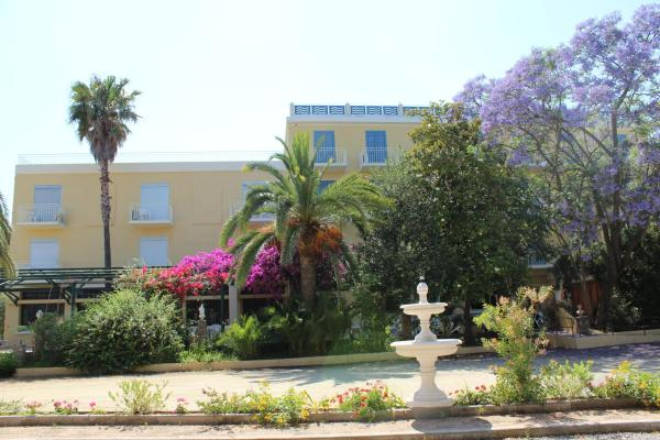 Hotel Pictures: Castellu, Lucciana