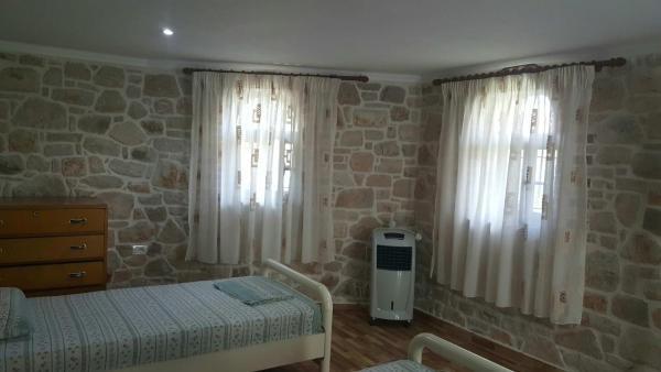 Фотографии отеля: Vero's Rooms, Qeparo