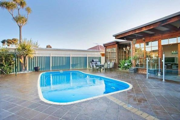 Hotelbilder: Delightful renovated home, close to CBD & beaches, Altona