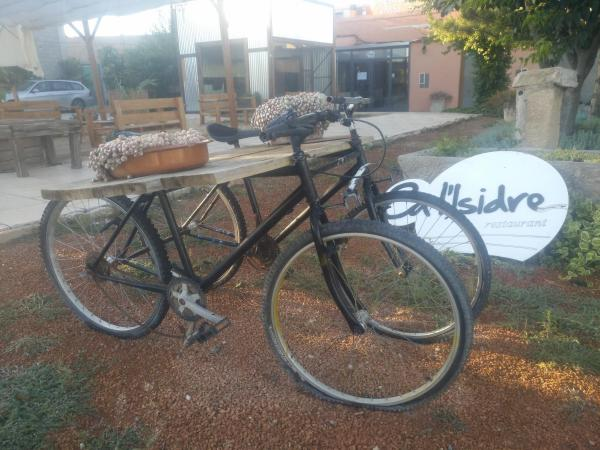 Hotel Pictures: Ca l'Isidre, Anglesola