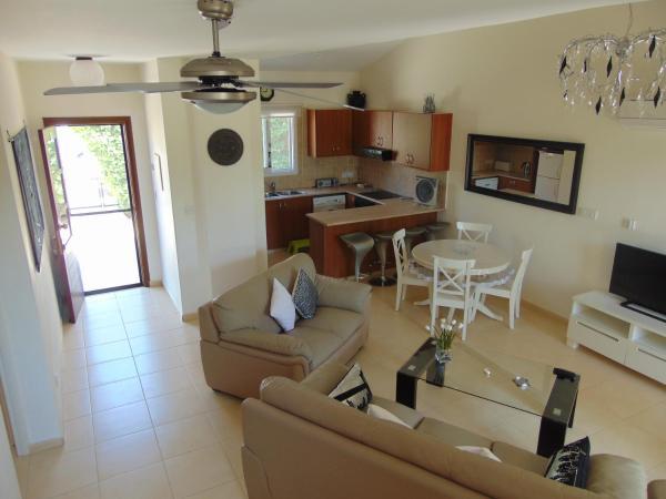 Hotel Pictures: Filianas House, Mandria