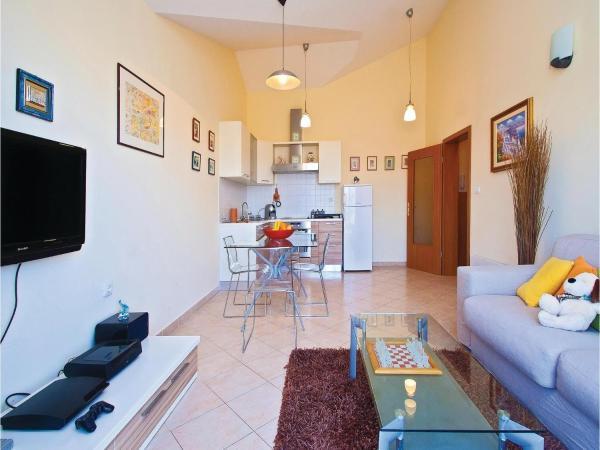 Fotos do Hotel: One-Bedroom Apartment in Valbandon, Fažana