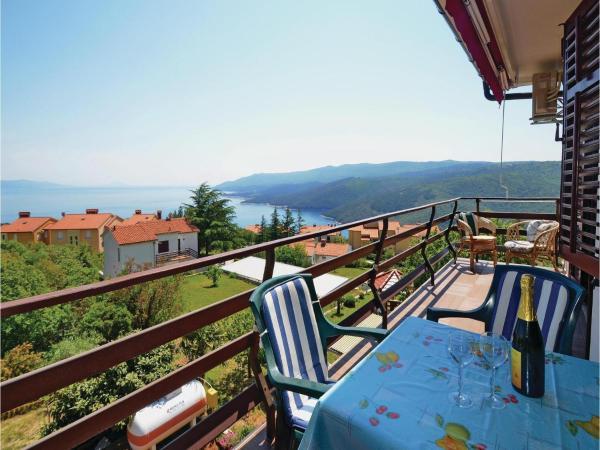 Hotel Pictures: Apartment Medulinska V, Rabac