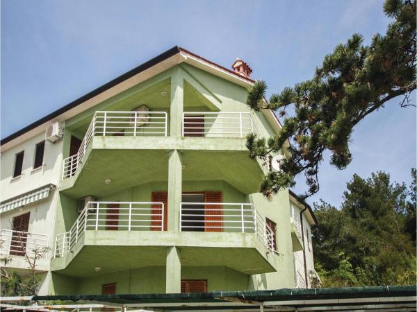 Hotel Pictures: Apartment Opatijska Croatia IX, Rabac