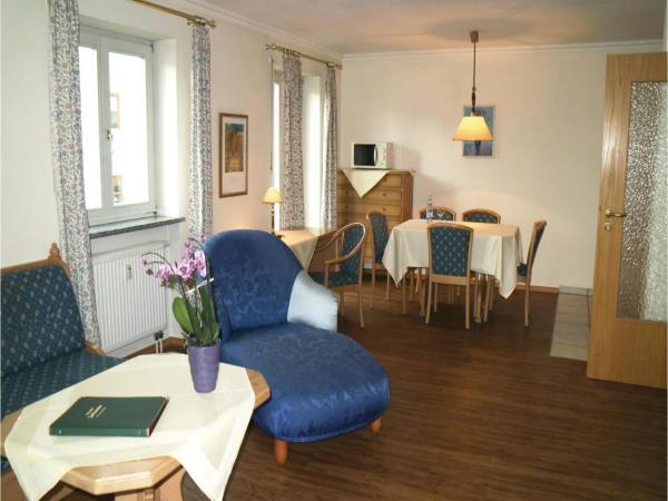 Hotelbilleder: Two-Bedroom Apartment in Flintsbach, Flintsbach