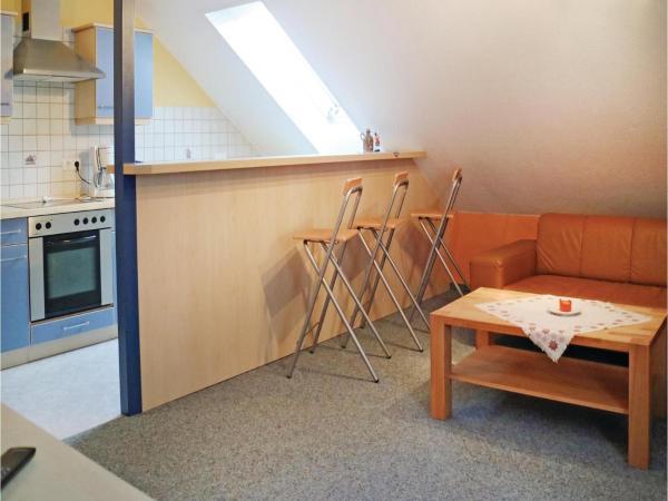 Hotel Pictures: Two-Bedroom Apartment in Altenstein, Altenstein