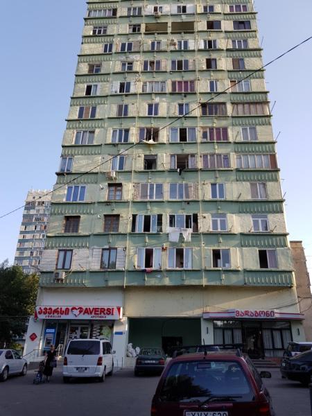 Φωτογραφίες: MaDaMeMi, Τιφλίδα