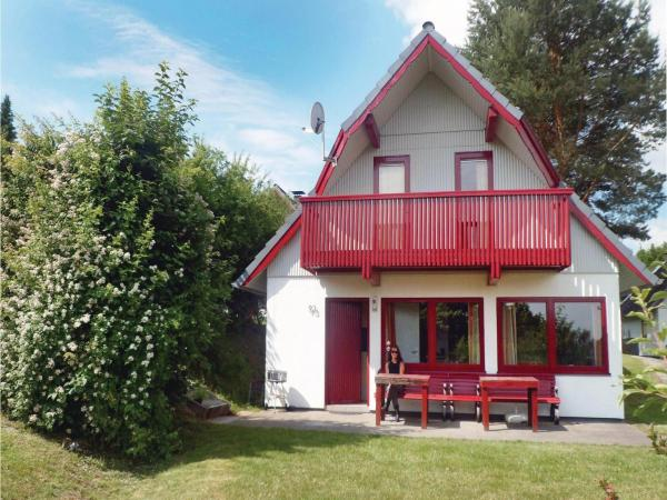 Hotelbilleder: Three-Bedroom Holiday home Kirchheim with a Fireplace 09, Kemmerode