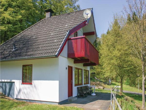 Hotelbilleder: Three-Bedroom Holiday Home in Kirchheim, Kirchheim