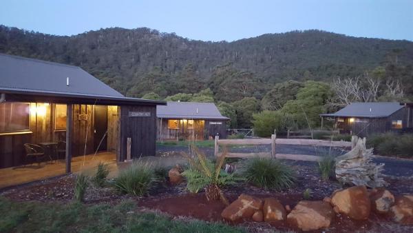 Photos de l'hôtel: The Rustic Hut Bush Retreat, Penguin