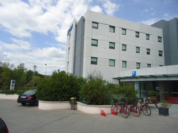 Hotel Pictures: Ibis Budget Girona Costa Brava, Girona