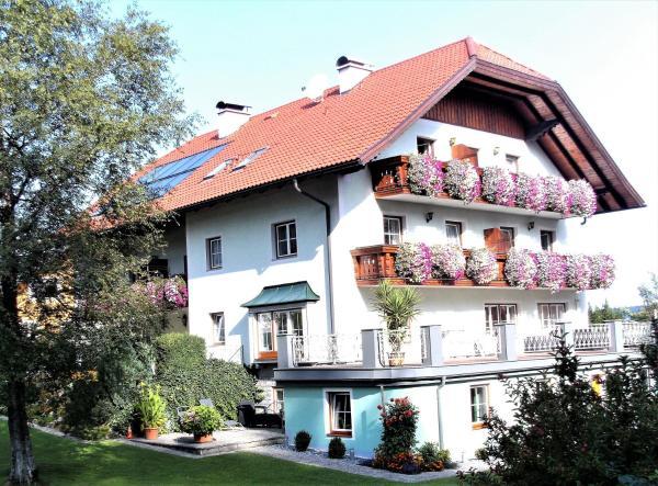 Hotelbilleder: Pension Waldhof, Koppl