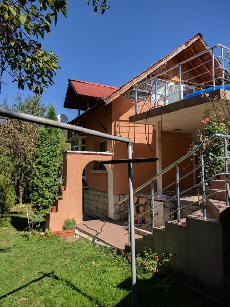 Hotelbilder: House with three Verandas, Berkovitsa
