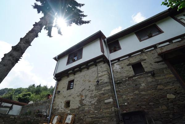 Foto Hotel: Писаната къща, Dedovo