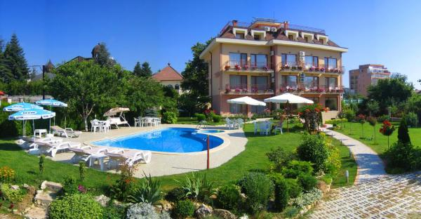 Foto Hotel: Family Hotel Vega, St. St. Constantine and Helena