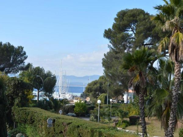 Hotel Pictures: Apartment Cap raphael, Port Santa-Lucia