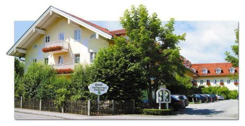 Hotel Pictures: , Taufkirchen