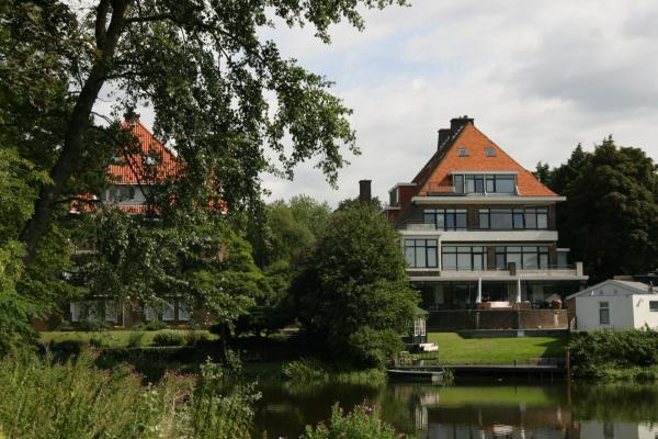 Hotel Pictures: Budget Beach Studios, Scheveningen