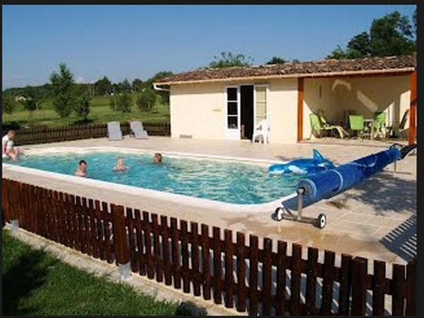 Hotel Pictures: Maison Sarrau, Varès