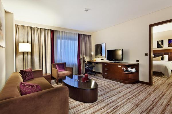 King One-Bedroom Suite