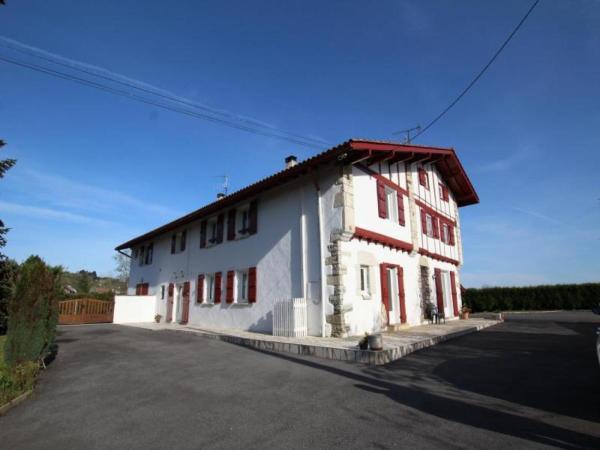 Hotel Pictures: House Sabaleta, Mouguerre