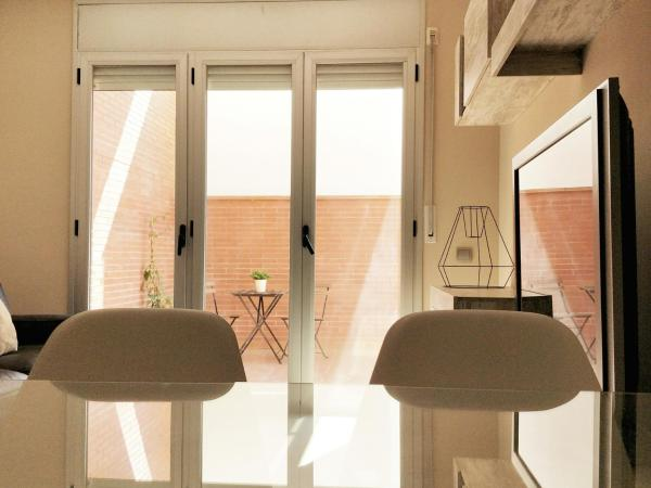 Hotel Pictures: Mazi Apartments Terrace, Mataró