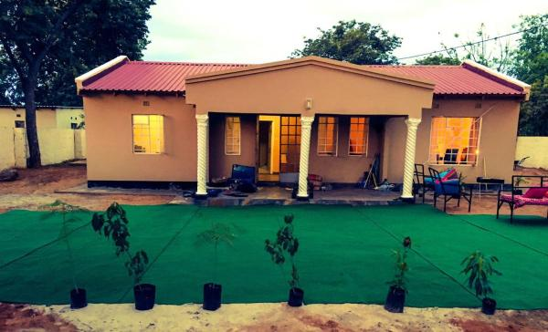 Hotel Pictures: Chobe Homesteads, Kasane