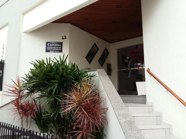 Hotel Pictures: Edificio California, Itapema