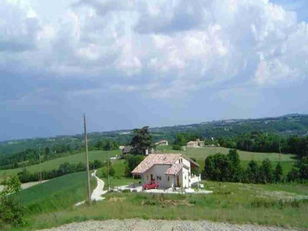 Hotel Pictures: La Petite Plaine, Montaigu-de-Quercy