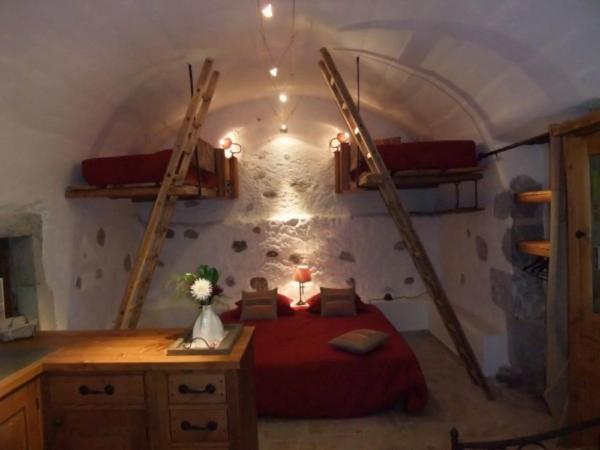 Hotel Pictures: Le Domaine du Grand Cellier Gîtes Appartement en Savoie, Tournon