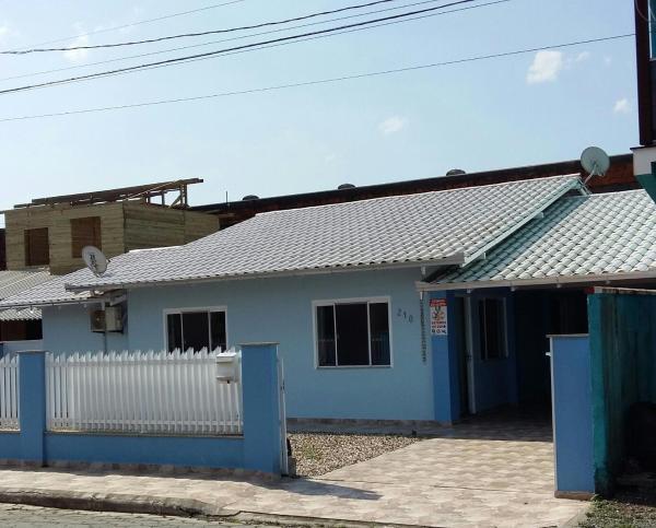 Hotel Pictures: Bela Casa Azul, Penha