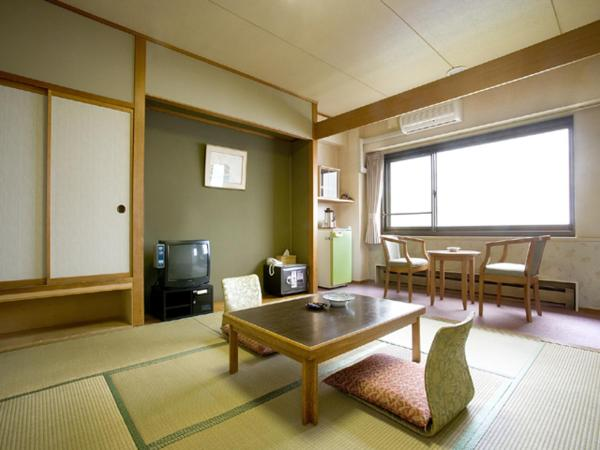 Japanese-Style Room with Lake View- Breakfast and in Room Dinner included