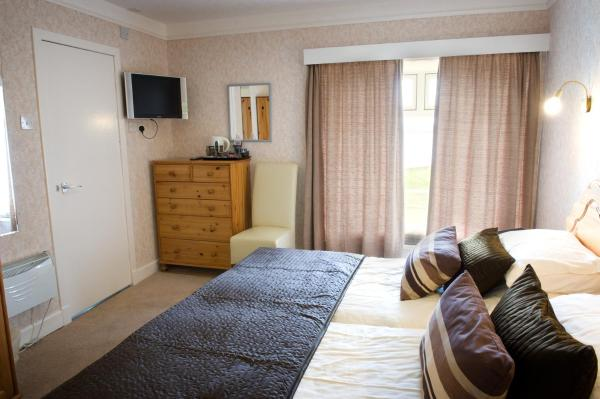 Double or Twin Room with Loch View