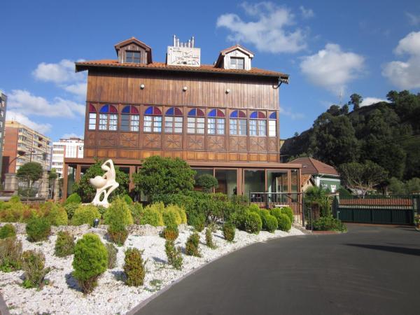 Hotel Pictures: Hotel Castillo de Gauzón, Salinas