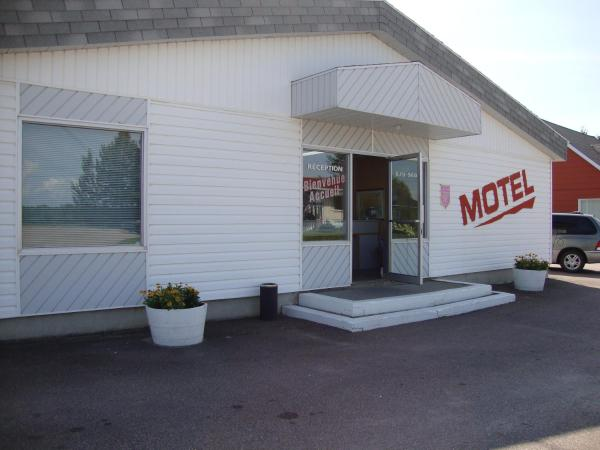 Hotel Pictures: Motel de la Rivière, Saint-Félicien