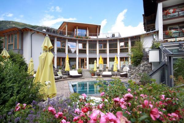 酒店图片: Ortners Eschenhof - Alpine Slowness, 巴德小基希海姆