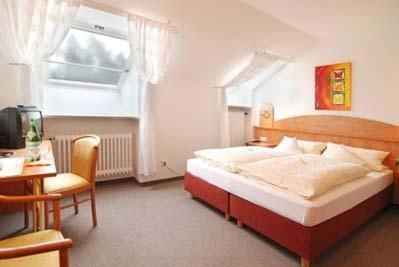 Hotelbilleder: Waldgasthof Fohren-Hof, Heroldsberg