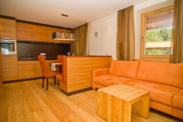 Executive Two-Bedroom Apartment with Terrace (12)