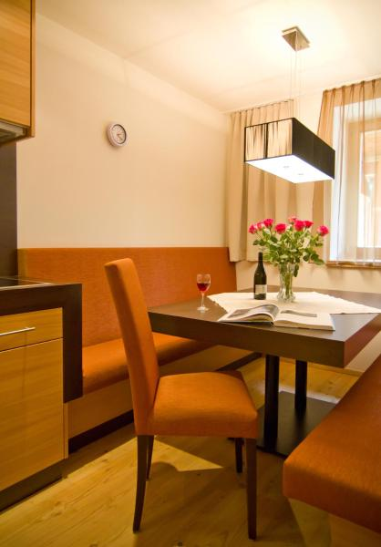 Executive Two-Bedroom Apartment with Terrace (10)