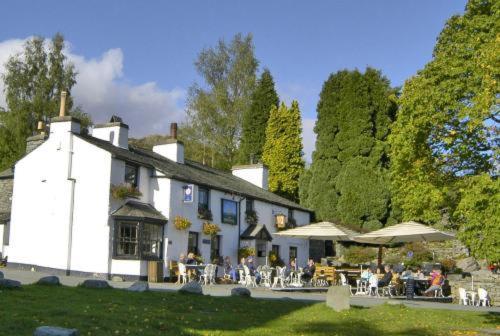 Hotel Pictures: The Britannia Inn, Elterwater