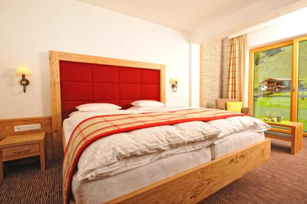 Premium Double Room with Balcony and Mountain View
