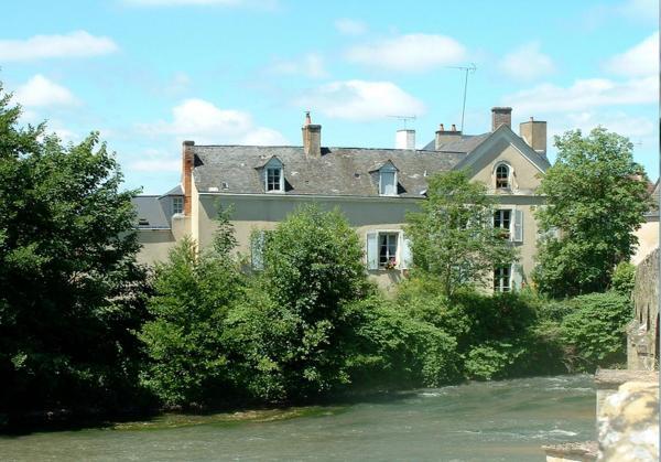 Hotel Pictures: Chambres d'hôtes Le Pont Romain, Montfort-le-Gesnois