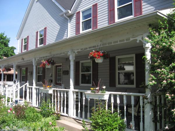 Hotel Pictures: The Cobbled Path Bed and Breakfast, Stevensville