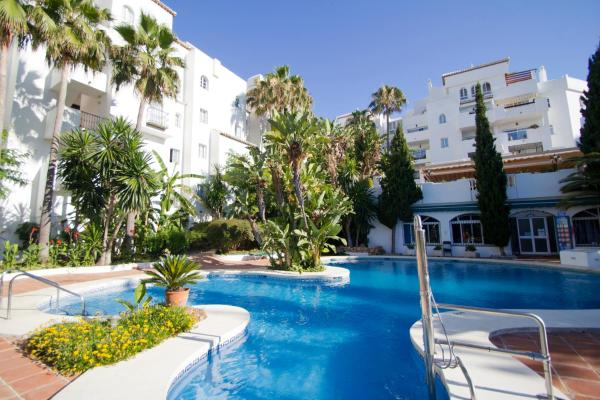 Hotel Pictures: Royal Oasis Club at Pueblo Quinta By Diamond Resorts, Benalmádena