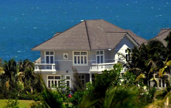 Premium Three-Bedroom Villa - Golf View & Sea View