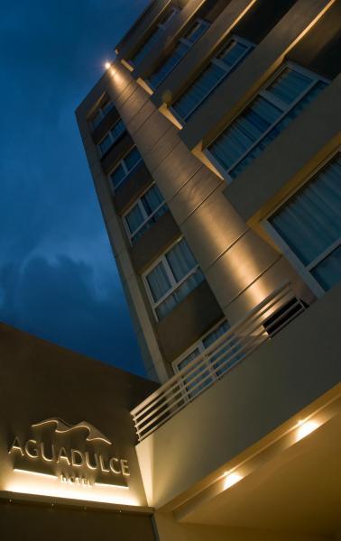 酒店图片: Agua Dulce Hotel, Tandil