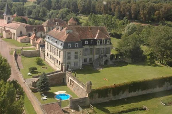 Hotel Pictures: Château de Flée, Semur-en-Auxois